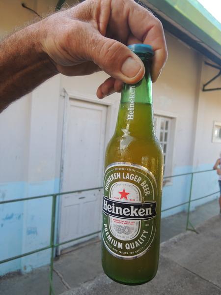 Estacion de ferrocariles, refresco disfrazado de cerveza 2015