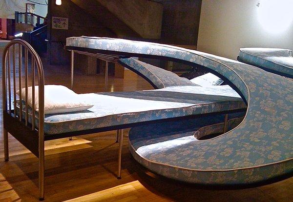 Cama, Los Carpinteros, Hayward Gallery, London 2010