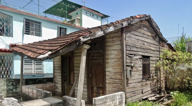 Cuba : toits, tornades et réseaux sociaux