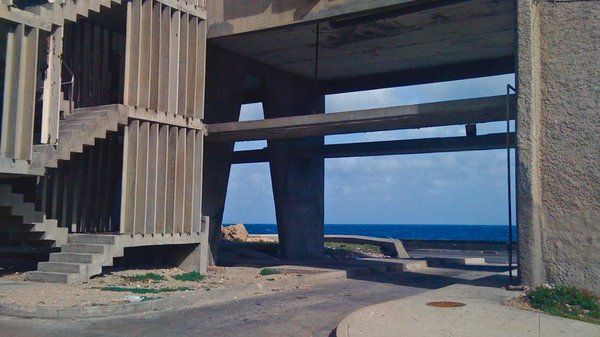 La Havane, Edificio Giron sur le Malecon, en attente d'intervention sur la structure, 2010.
