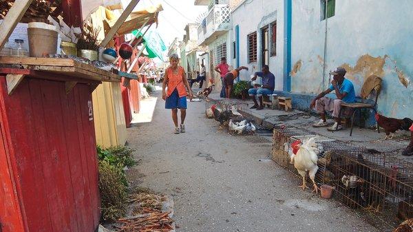 Promenade au mercado de encantos, Santiago de Cuba 2015.