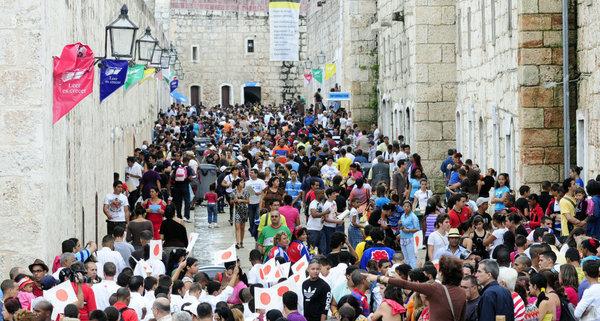 Feria Internacional del Libro de La Habana, photo René Perez Massola dans Periodico Trabajadores, droits réservés.