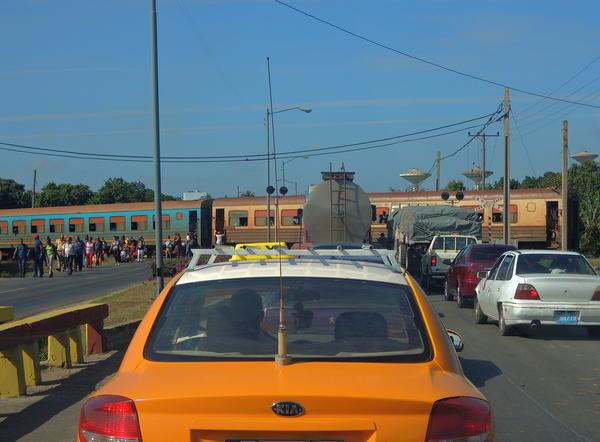 Carretera central et passage à niveau 2015
