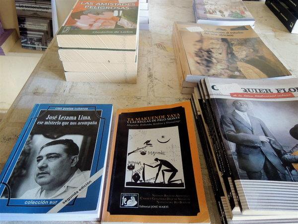 Lezama Lima, Choderlos de Laclos et le Palo Monte : un choix qui ne fut pas toujours possible dans les librairies cubaines.