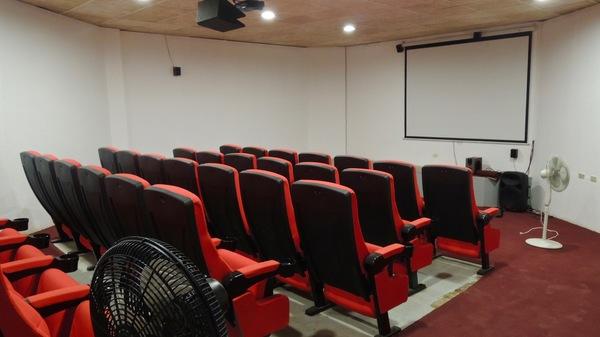 Ciné Aguila de Oro, une simple salle de projection vidéo