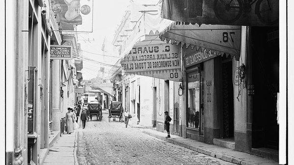 La calle O'Reilly au début du XXe siècle. Photo Library of Congress, droits résrevés