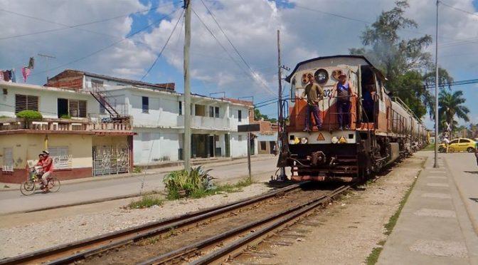 Arrivée du train en gare de Bayamo