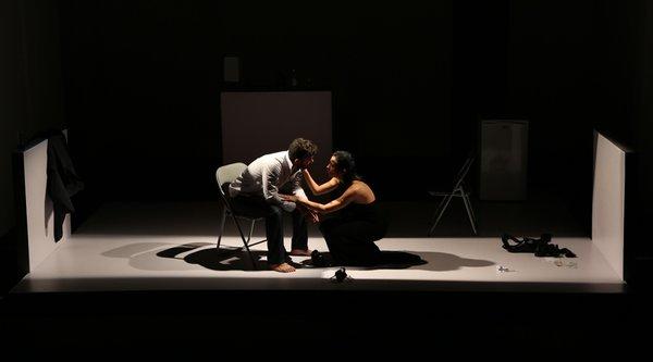 Mecanica, Argos Teatro, texte Abel González Melo, m.e.s. Carlos Celdran, avec Yuliet Cruz (vue récemment dans Chala) et Carlos Luis González. Photo Jesús Darío Acosta, droits réservés.