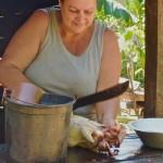 découpage du poulet à la machete, Jamal 2013